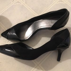 A pair of Impo women heels